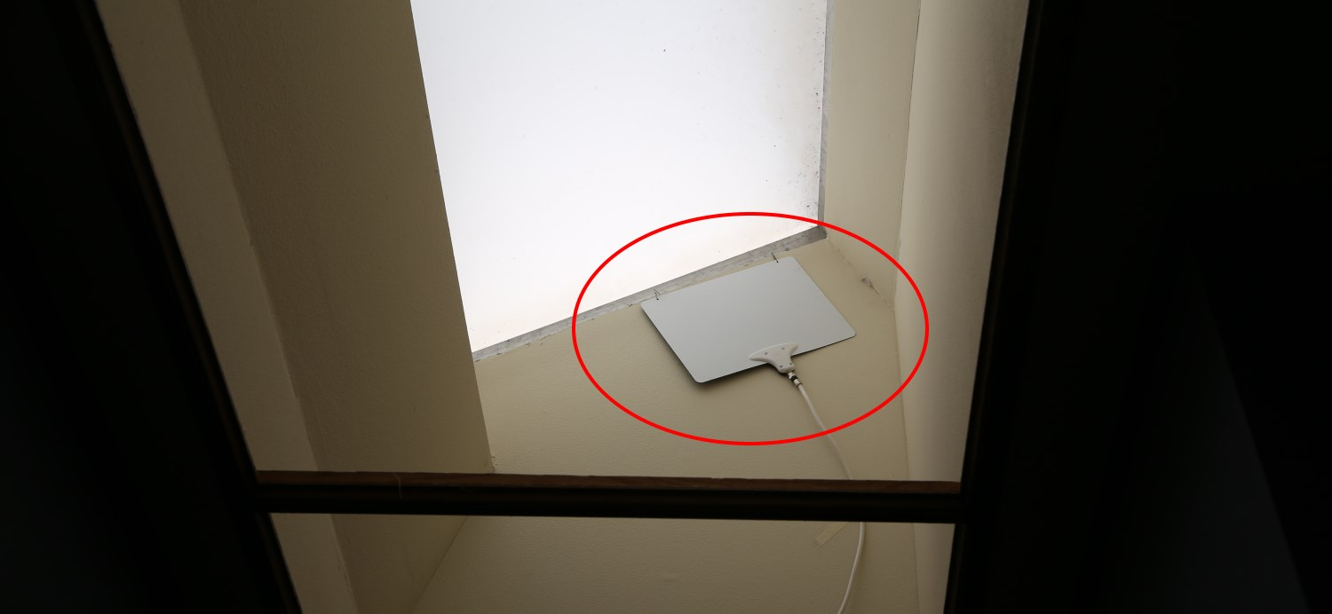 Mohu Leaf antenna in skylight